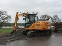 Case CE a mai livrat un excavator CX130C