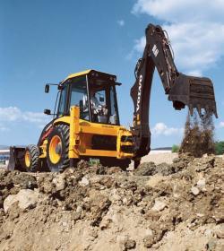 Promoţie buldoexcavator BL61. Leasing 35EUR/zi