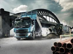 Un camion usor pentru constructii grele