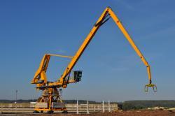 Made in Romania - Hiarom HCL-690 - O noua macara forestiera portuara