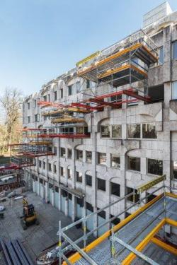 Cantilevered system combination for refurbishment measures