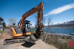 Clietii din Cercul Arctic sunt multumiti de midi-excavatoarele Case