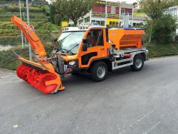 Aebi VT450 cu echipamente Schmidt, solutia universala pentru serviciile publice