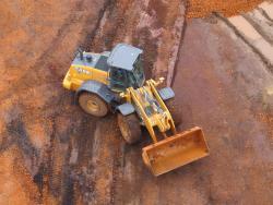 Case 821F - testat in conditii dure la malul marii