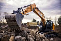 Performante sporite, concentrate in noul excavator CASE CX245D SR