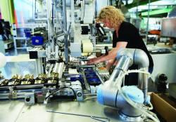 Ce inseamna Industry 4.0 si cum ne va schimba viitorul – cazul cobotilor