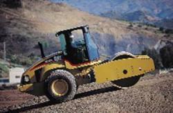 Compactoare pentru sol si asfalt Caterpillar