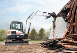 Noul excavator compact Bobcat de 5,5 tone