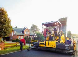 Finisorul Sumitomo impune noi standarde în construcţia de drumuri
