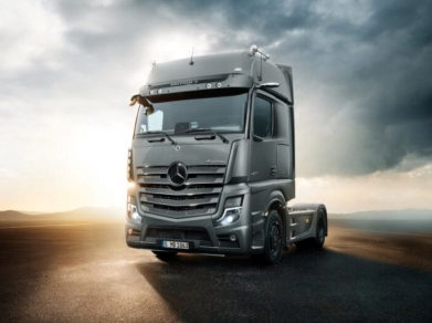 Noile modele de camioane din gama Actros sunt acum disponibile la comandă: S-a dat startul vânzărilor pentru Actros F și Edition 2