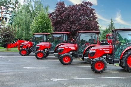IRUM Reghin lansează trei noi modele de tractoare,  destinate fermelor de familie
