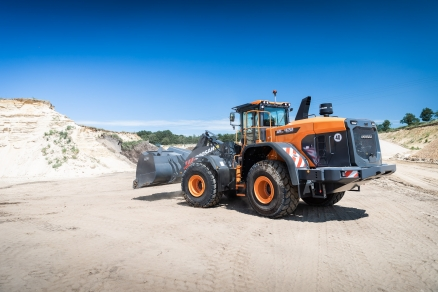 Doosan Launches New DL420-7 Stage V Wheel Loader