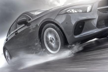 Cu Nokian Tyres sezonul anvelopelor de vară arată ca o experiență de condus sigură și liniștită la viraje strânse și în timpul zilelor ploioase