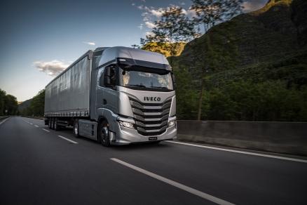 Noul IVECO S-Way: camionul 100% conectat duce concentrarea pe șofer și productivitatea afacerii la nivelul următor