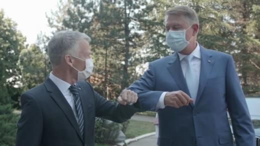 Președintele Klaus Iohannis a vizitat astăzi fabrica Ford Craiova. Ford a reluat programul de lucru în trei schimburi și anunță o investiție suplimentară de 30 de milioane de dolari