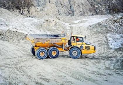 Trelleborg extinde seria de anvelope radiale EMR pentru încărcătoare și utilaje pentru terasamente