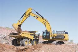 Excavatorul hidraulic Cat® 374 D - performante de lucru sporite si confort pentru operator