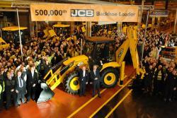 JCB a produs buldoexcavatorul cu numarul 500.000