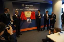 Tough World. Tough Equipment - LiuGong a inaugurat primul sediu regional european al companiei, o noua linie de productie si un nou centru european de distributie a pieselor