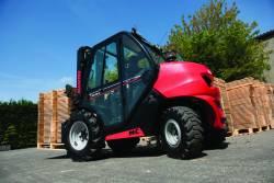 Cu MC18, Manitou reinventeaza motostivuitorul pentru teren accidentat!