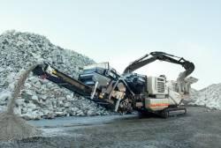 Reciclare prin concasarea si sortarea deseurilor din demolari by METSO