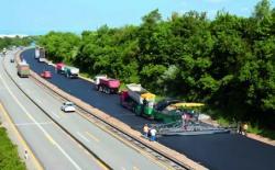 Renovarea continuă a autostrăzii pe o lătime de 12 m