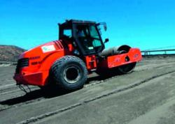 Compactorii de terasamente HAMM 3000 HAMMTRONIC la lucrari speciale